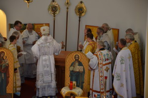 Metropolitan Antony anoints the new altar.